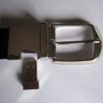 Fibbia USB Universale inserita su cintura con CHIP estraibile A